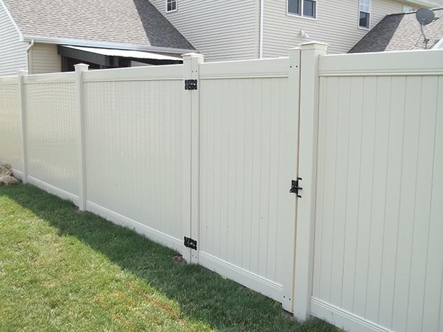 private vinyl fence